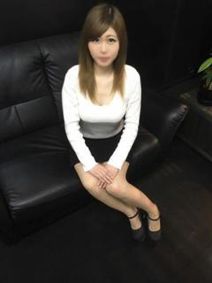 りあ【スレンダーSS級美女】 HoneyPlus梅田(デリヘル)