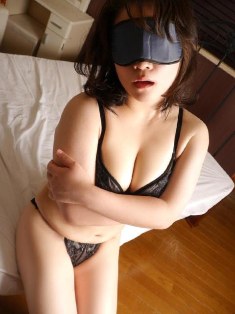 つむぎ 横浜 風俗 妻がオンナに変わるとき(素人人妻夜這いイメクラ)