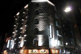 ホテルマーブル(品川区/ラブホテル)の写真『夜の外観2』by スラリン