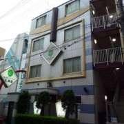 HOTEL STATION(ホテルステーション)七番館(台東区/ラブホテル)の写真『昼の外観』by スラリン