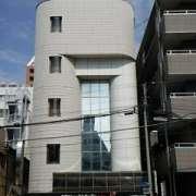 ホテル100% 7/7 平塚キャッスル(平塚市/ラブホテル)の写真『昼の外観(正面)』by 河童助平