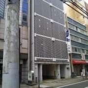 HOTEL ING(横浜市中区/ラブホテル)の写真『昼間の外観(川と反対側)』by 郷ひろし(運営スタッフ)