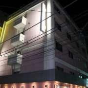ホテル MARE(マーレ)(品川区/ラブホテル)の写真『夜の外観1』by スラリン