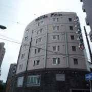 PAL大塚(豊島区/ラブホテル)の写真『昼の外観』by スラリン