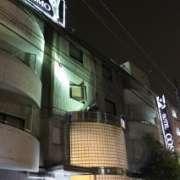 コスモ西葛西(江戸川区/ラブホテル)の写真『夜の外観5』by スラリン
