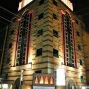 新宿ジャルディーノ(新宿区/ラブホテル)の写真『夜の外観1』by スラリン