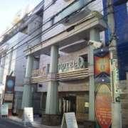 XO新宿(新宿区/ラブホテル)の写真『昼間の外観』by 郷ひろし(運営スタッフ)
