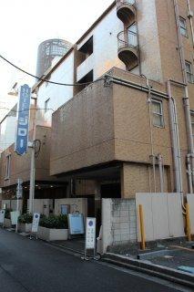 ジロー(新宿区/ラブホテル)の写真『早朝の外観』by スラリン