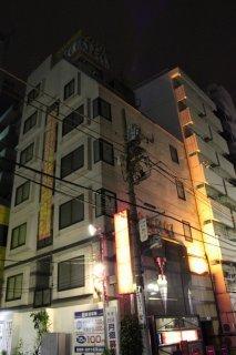 SPECK(すぺっく)(新宿区/ラブホテル)の写真『夜の外観2』by スラリン