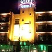 ホテル グッドワン(さいたま市大宮区/ラブホテル)の写真『夜の外観』by 子持ちししゃも