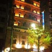 ニューパーク(横浜市中区/ラブホテル)の写真『夜の外観(車通は多いです)』by 毎日がエブリデイ