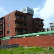 ホテル グッドワン(さいたま市大宮区/ラブホテル)の写真『全景  昼の外観 ( 南側 )』by ルーリー9nine