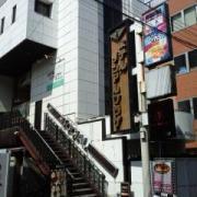 HOTELソシアルプラザ(さいたま市大宮区/ラブホテル)の写真『昼の外観』by ルーリー9nine