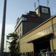 Hotel Baru(バル)(さいたま市北区/ラブホテル)の写真『昼の外観  南より望む ( 手前建物は隣接する別建物 )』by ルーリー9nine