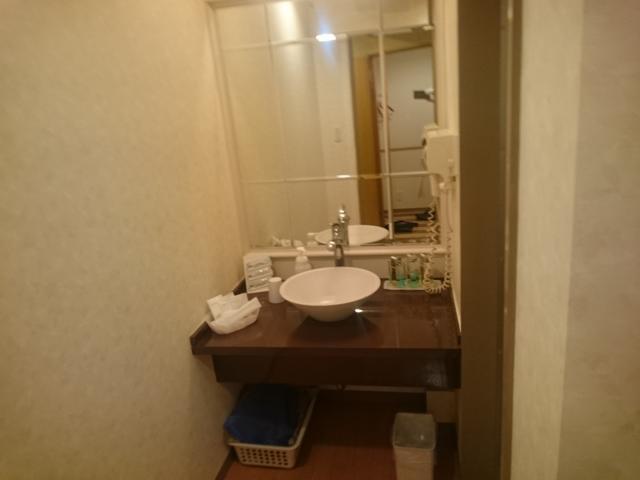 ホテルマーブル(品川区/ラブホテル)の写真『#502 アメニティは豊富ではない。コップも一つ。』by 退会したユーザー(ID:7972)