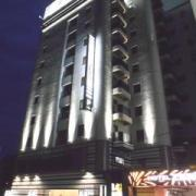 HOTEL ZERO(横浜市港北区/ラブホテル)の写真『夜の外観』by すももももんがー