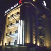 ホテル プラザK(横浜市港北区/ラブホテル)の写真『夜の外観』by すももももんがー