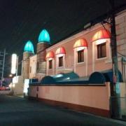 シルクロード(越谷市/ラブホテル)の写真『夜の外観(北側)』by ましりと