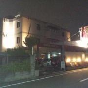 Hu(フウ)(越谷市/ラブホテル)の写真『夜の外観1』by ましりと