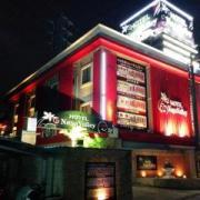 ナパバレー(越谷市/ラブホテル)の写真『夜の外観1』by ましりと