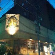 ホテル ファニーズ(横浜市中区/ラブホテル)の写真『夜の外観3』by ましりと