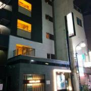 HOTEL JADE(豊島区/ラブホテル)の写真『夜の外観』by ましりと