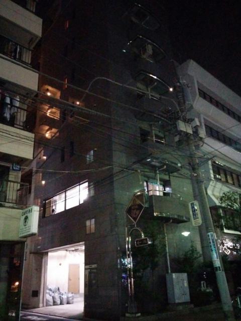 (削除か閉店)ホテルピア(北区/ラブホテル)の写真『夜の外観(裏側)』by ましりと