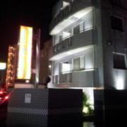 RING MY BELL(リングマイベル)(相模原市/ラブホテル)の写真『外観(夜)②』by 少佐