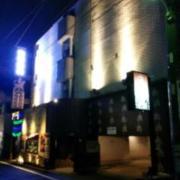 NUDA by H-SEVEN(横浜市中区/ラブホテル)の写真『夜の外観2』by ましりと