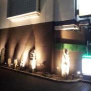 ホテル クイーンズタウンpart2(厚木市/ラブホテル)の写真『外観(夜)⑤』by 少佐