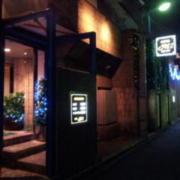 M1(エムワン)(新宿区/ラブホテル)の写真『外観(夜)②』by 少佐