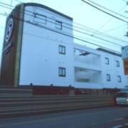 HOTEL GRASSINO URBAN RESORT(立川市/ラブホテル)の写真『昼の外観』by すももももんがー