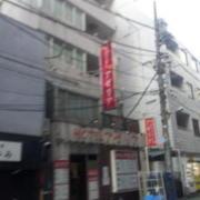ホテル アゼリア(豊島区/ラブホテル)の写真『ホテル前の雰囲気』by 少佐