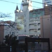 目黒エンペラー(目黒区/ラブホテル)の写真『昼の外観  北側概観』by ルーリー9nine