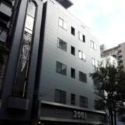 ファッションホテル 2001(横浜市南区/ラブホテル)の写真『外観(昼)①』by 少佐