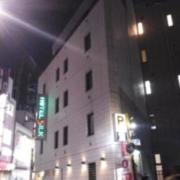 ホテル シルク(豊島区/ラブホテル)の写真『夜の外観  全景』by ルーリー9nine