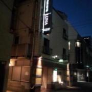 LUNA(横浜市中区/ラブホテル)の写真『夜の外観①』by 少佐
