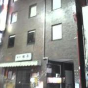 レンタルルーム 憩(いこい)(全国/ラブホテル)の写真『夜の外観  入居ビル概観』by ルーリー9nine