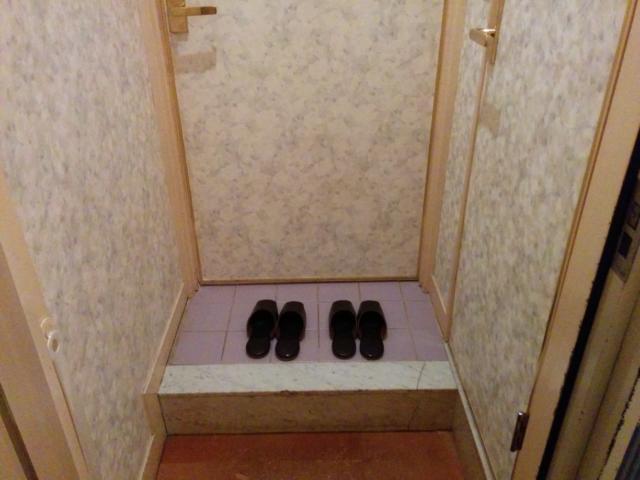 PRINCESS2世(台東区/ラブホテル)の写真『201号室の玄関』by 退会したユーザー(ID:10185)