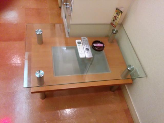 PRINCESS2世(台東区/ラブホテル)の写真『201号室のテーブル』by 退会したユーザー(ID:10185)