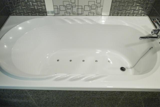 ホテルモアナ(新宿区/ラブホテル)の写真『203号室 浴槽』by INA69