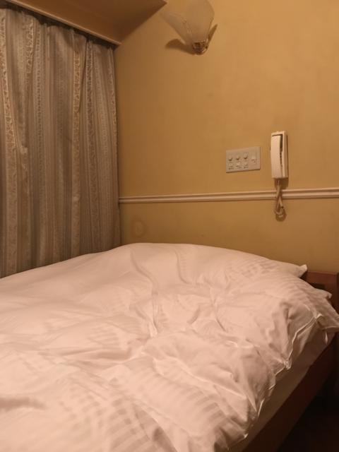 ジロー(新宿区/ラブホテル)の写真『211号室ベット周り』by H.R委員