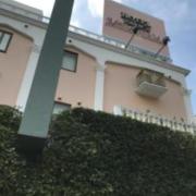 HOTEL PALACE MOMOYAMA(パレスモモヤマ)(北区/ラブホテル)の写真『昼過ぎの外観・東側④』by 少佐
