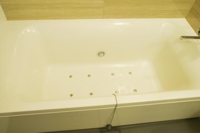 HOTEL ZERO(横浜市港北区/ラブホテル)の写真『705号室 浴槽』by INA69