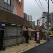 ホテルParis(渋谷区/ラブホテル)の写真『昼の外観』by ちげ