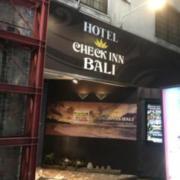 CHECK INN BALI(豊島区/ラブホテル)の写真『夜の入口②』by 少佐