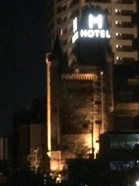 目黒エンペラー(目黒区/ラブホテル)の写真『夜の外観』by 全てを水に流す男