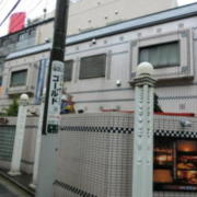 HOTEL STELA(ステラ)(台東区/ラブホテル)の写真『雨の外観②』by おこ