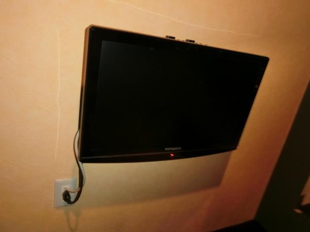 プチホテル AGAIN(荒川区/ラブホテル)の写真『201号室のテレビ』by おこ