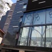 ホテル ヴィクトリアコート(江戸川区/ラブホテル)の写真『昼の外観』by ところてんえもん
